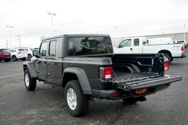 2020-jeep-gladiator-sport-s-4x4-for-sale-ohio-29205T (7)
