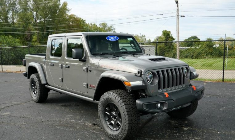 2021 jeep gladiator mojave   29935t   paul sherry chrysler
