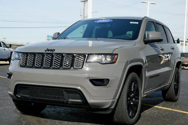sting-gray-2021-jeep-grand-cherokee-laredo-x-altitude-for-sale-ohio-30210T (14)