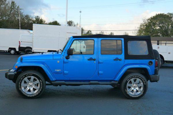 hydro-blue-pearl-2015-jeep-wrangler-unlimited-jk-sahara-soft-top-for-sale-piqua-ohio-30370AT (4)