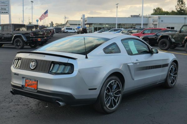 ingot-silver-metallic-2012-ford-mustang-v6-coupe-for-sale-piqua-ohio-CP16588B (9)